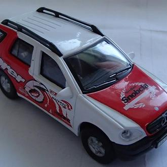 Cararama Mercedes-Benz ML 320 1/43