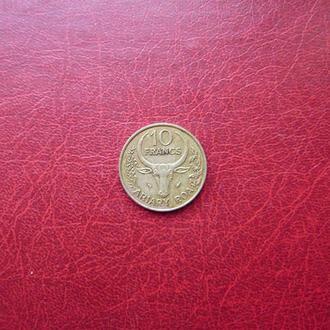 Мадагаскар 10 франков 1983