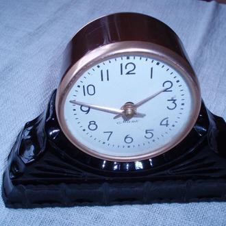 Часы настольные Маяк.