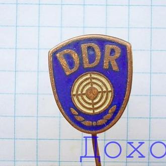 Значок DDR ГДР стрелок спорт на иголке тяжелый магнит