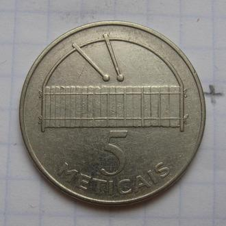 МОЗАМБИК. 5 метикас 2006 года.