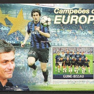 Гвинея 2010 ** Футбол Жозе Моуриньо Милито Интер Италия БЛ MNH