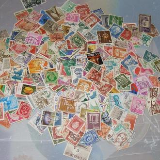 Приличный лот иностранных марок 500 шт.