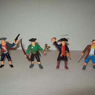Солдатики пираты
