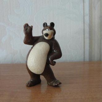 Киндеры,Маша и Медведь- 2 ,2015год,медведь танцующий