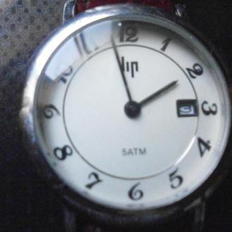 Кварцевые французские часы фирмы ЛИП (ЩЕЛЧЁК ОДИН РАЗ В 10 СЕК )