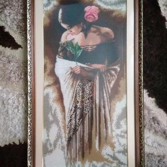 Картина Испанка с розой вышитая бисером