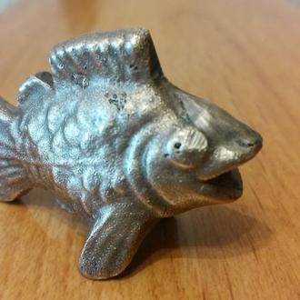 Бронзовая рыбка.