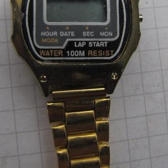 1 часы электронные QUARTZ