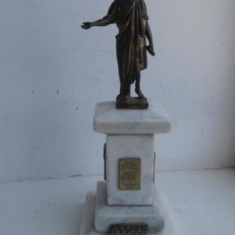 Скульптура Дюк де Ришелье на мраморе Одесса Бронза
