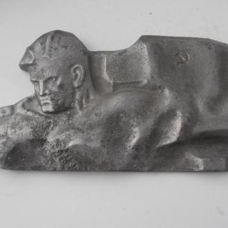 Барелеф Воин СССР