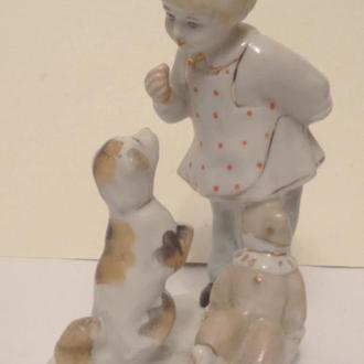 Статуэтка,девочка с игрушкой и собакой, Полонное ЗХК, СССР