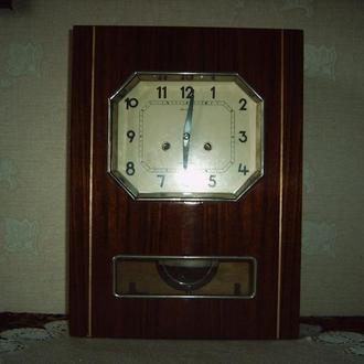 "Часы настенные ""Янтарь"" с боем, СССР"