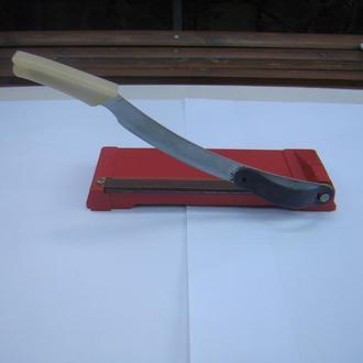 Нож для резки бумаги. фотобумаги из СССР.