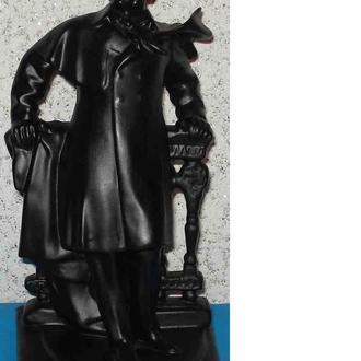 фарфоровая статуэтка Пушкин