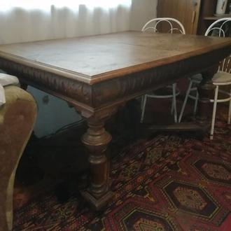 Стол для гостиной из массива дуба