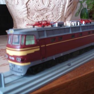 Модель локомотива ЧС 4