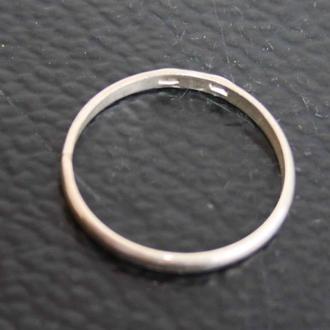 Кольцо обручальное. Серебро 925. Размер 22.