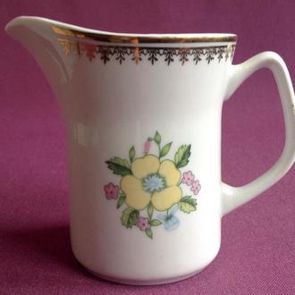 Сливочник / молочник  Жёлтые цветы. Фарфор, позолота, Польша.