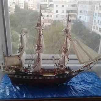 Корабль под стеклом размер 37-30-14 см.