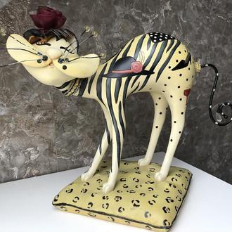 статуэтка Гламурный весёлый Кот в шляпе с сумкой и бокалом вина на подставке композит