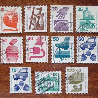 ФРГ.1971г. Стандартные марки. Подборка.