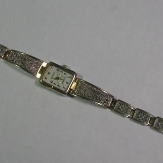 Часы GUCCI Quartz с браслетом филигрань Исправные