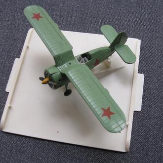 """Металлическая модель самолёта И-153 """"Чайка"""", 1:72."""
