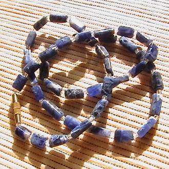 Ожерелье с натуральными камнями. Длина 51 см. Состояние отличное.