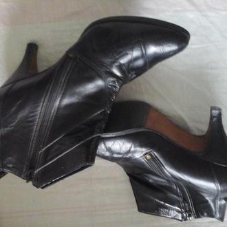 Ботиночки 24 размер, мягкая натуральная  кожа,7 см каблук, б/ у, железные набойки