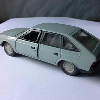 москвич 2141 модель СССР 1 :43 новый