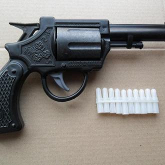 Игрушка пистолет СССР револьвер, наган новый 5- ти зарядный + 10 патронов