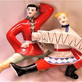 Статуэтка пляс с гармошкой СССР Полонное лот 5