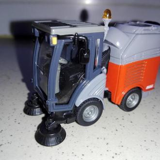 Дорожно-уборочная машина 2936 Kehrmaschine Sweeper Vehicule. Siku.