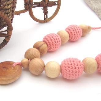 Розовые слингобусы с кулоном, органический хлопок и можжевельник