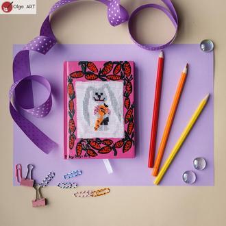 Блокнот с вышивкой крестом Кролик Морковка