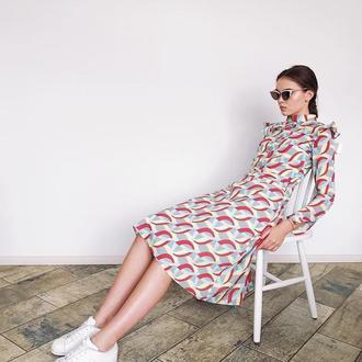 Платье с расклешенным низом