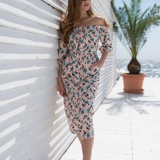 Платье с открытыми плечами 3015