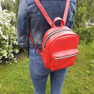 Очень красивый женский рюкзак красный