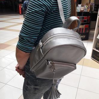Удобный вместительный женский рюкзак черны серебристый