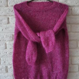 Нежный пушистый свитер из итальянской пряжи высшего качества