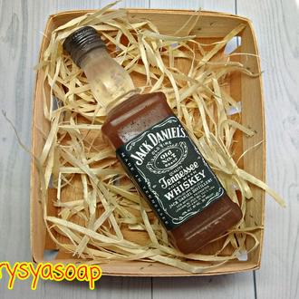 Мыло виски в корзине.
