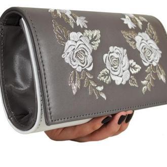 """Клатч кожаный с вышивкой """"Розы"""""""