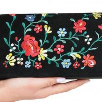 """Клатч кожаный с вышивкой на натуральной замше """"Полевые цветы"""""""