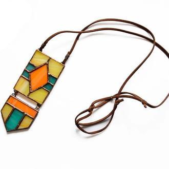 Кулон из витражного стекла в этно-стиле