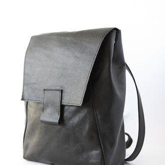 Стильный чёрный кожаный рюкзак на каждый день