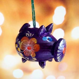 Новогодняя игрушка свинка, ручная роспись. символ 2019 года - свинья.