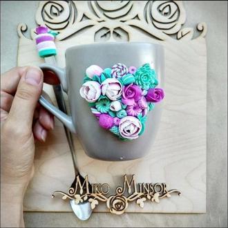Кружка +ложка с цветами и сладостями