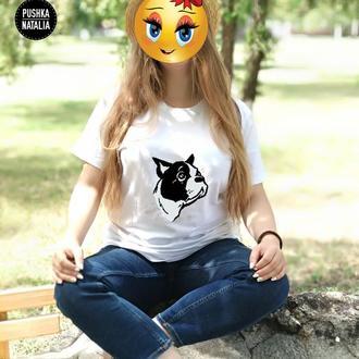 Женская футболка вышитая бисером Бульдог от Пушки Наталии