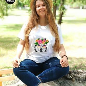 Женская футболка вышитая бисером Хаски от Пушки Наталии